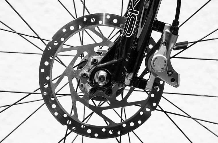 Mountain bike front wheel with disc brake